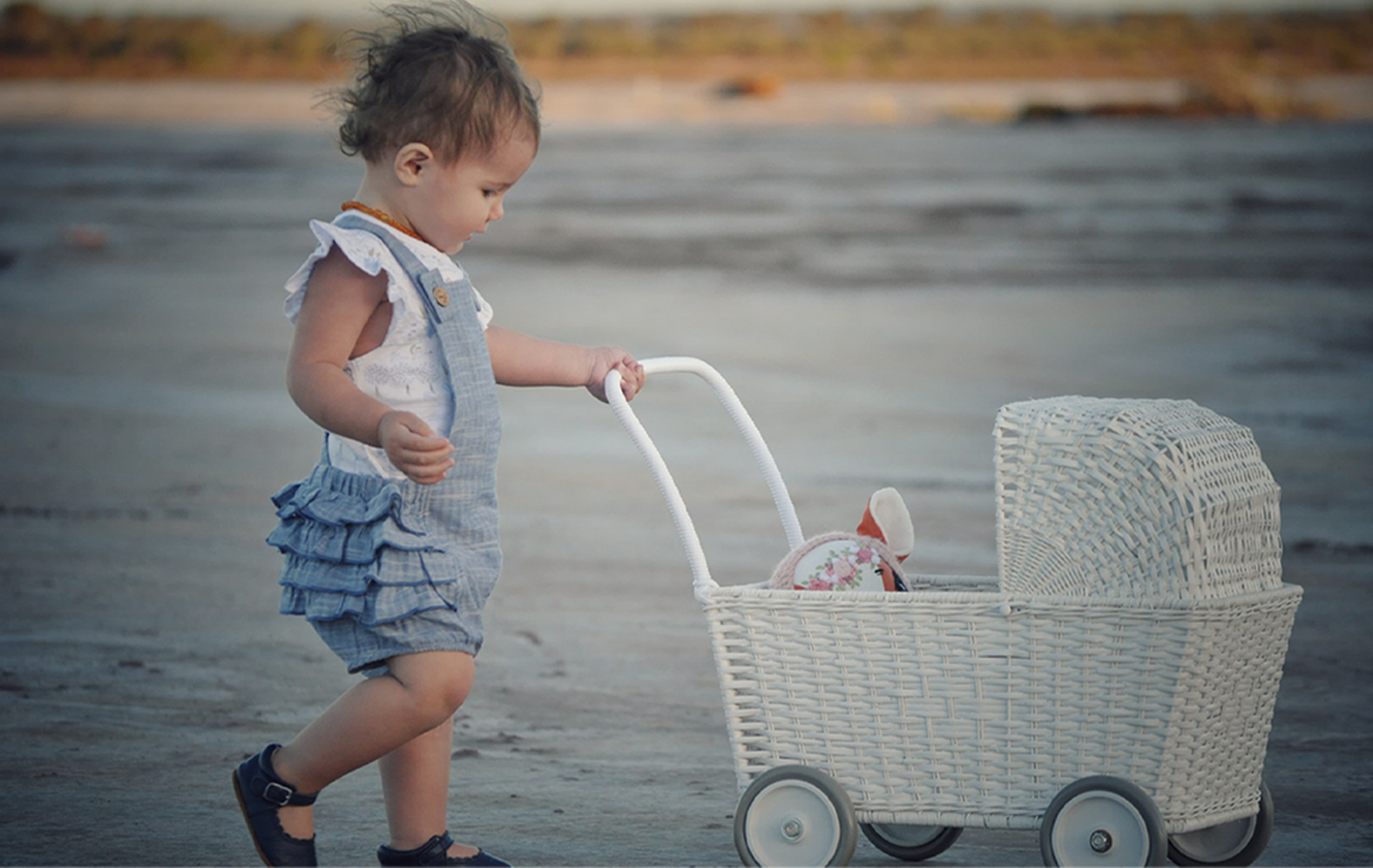 4 Tips to Dress Your Baby Right
